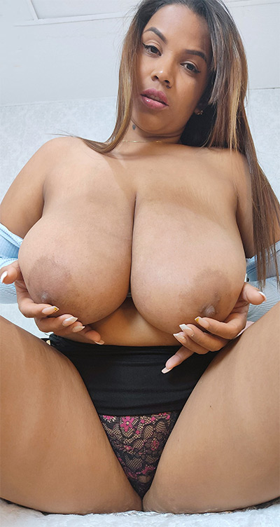 Isa Gomez Heavy Hooters and A Creamy Pussy XL Girls