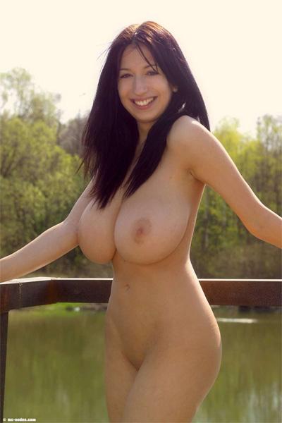 Jana Defi Naturally Big Mc-Nudes