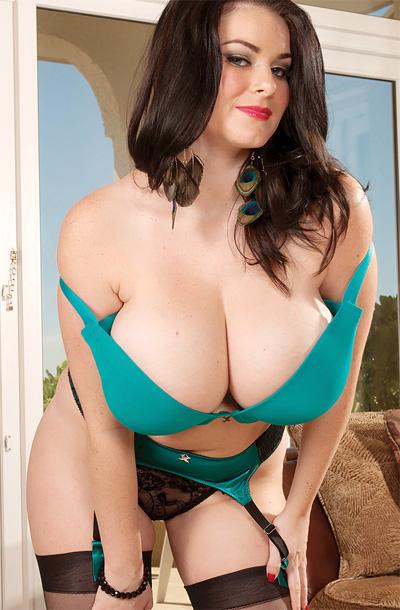Mature women sucking tits