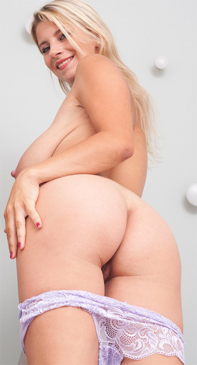 Hartlova nude katarina Nude Katerina