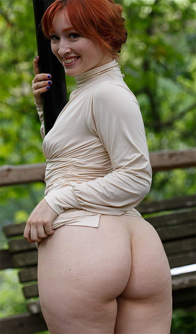 Lady Noire Buttanical Garden Flasher Zishy