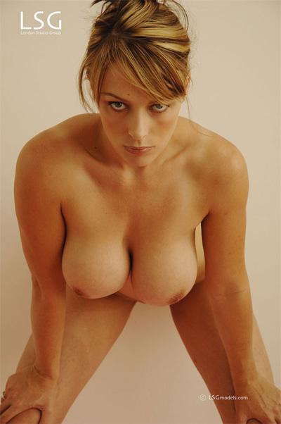 Sexy women nude selfpic