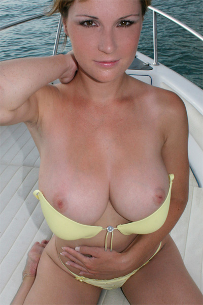 boat a Nude on beauties