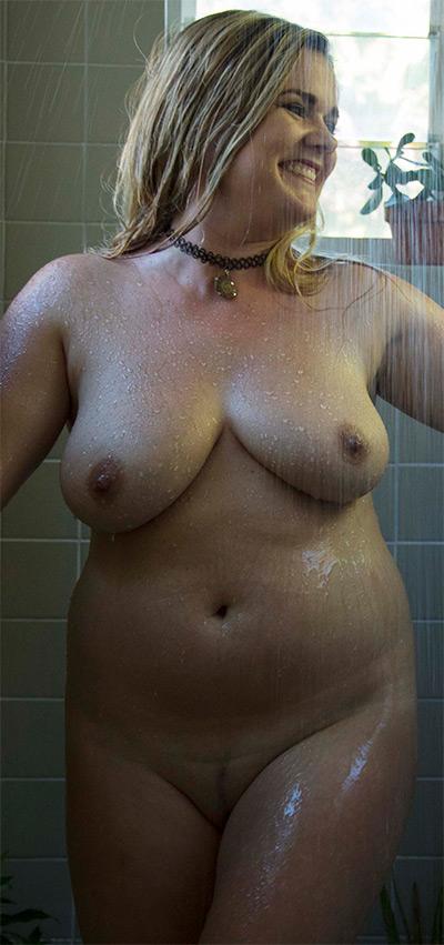 La Luna Shower Nude Muse