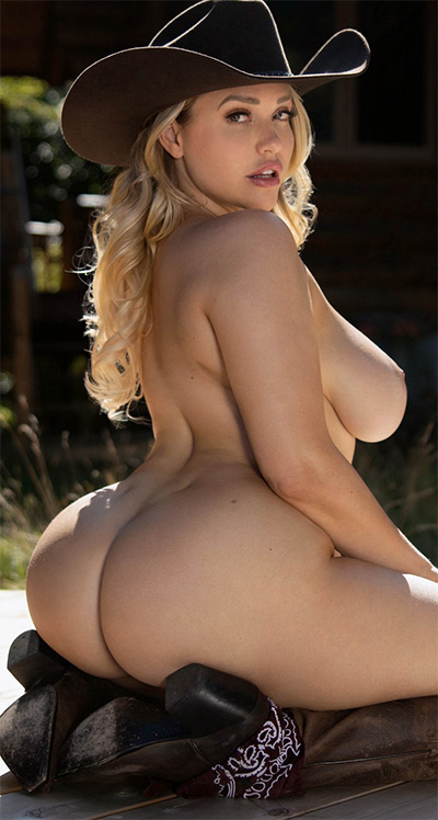 Curvy Erotics