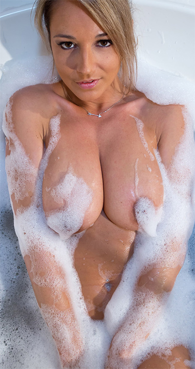 Nikki Sims Soapy Bubble Bath