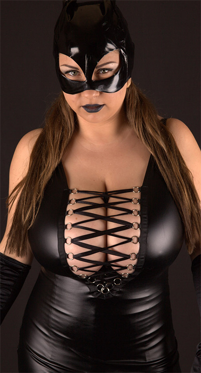 Samanta Lily Is A Masked Mistress