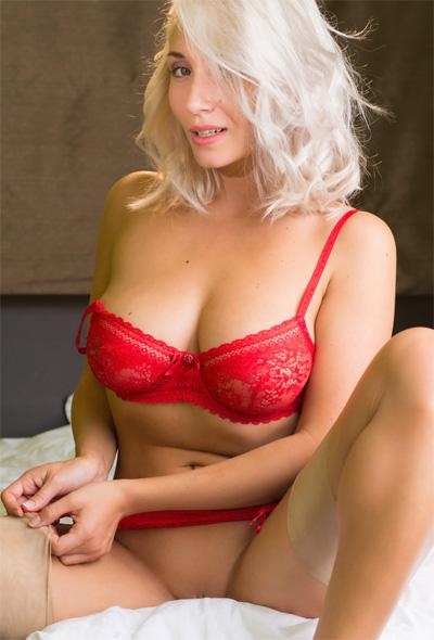 Sapphire Feu De Venus Red Lingerie