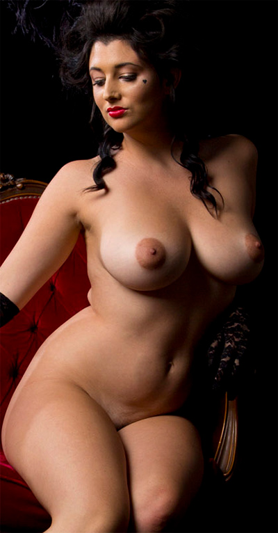 Scarlett Morgan Parisian Curves for Nude Muse