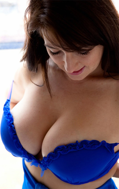 Tibby Muldoon Stair Crazy for Busty Brits