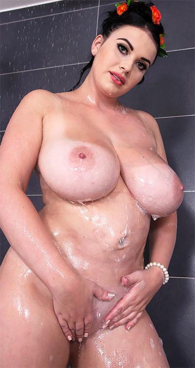Tina Lee Slippery When Sopping Wet Scoreland