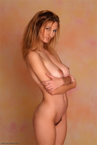 Vanessa Mc-Nudes