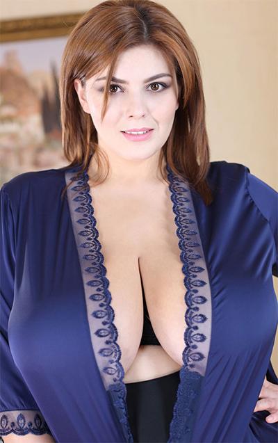 curvy erotic