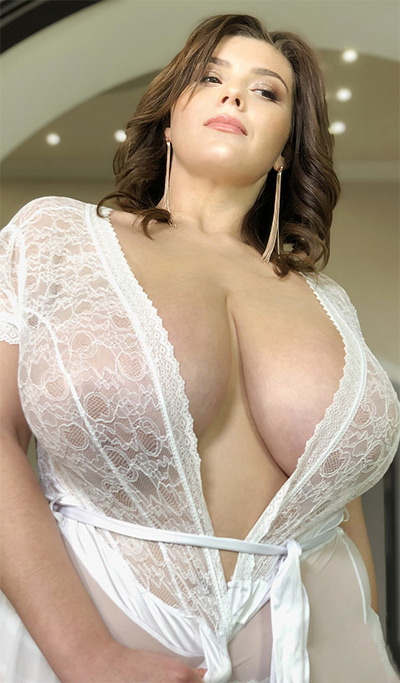 Xenia Wood That Revealing Lace