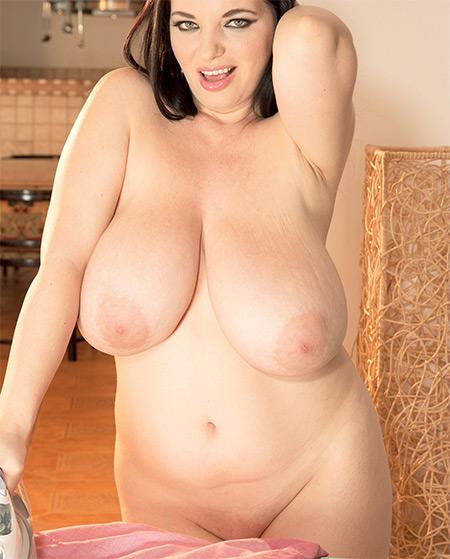 Scoreland Joana Bliss - What A Good Wife She Would Be