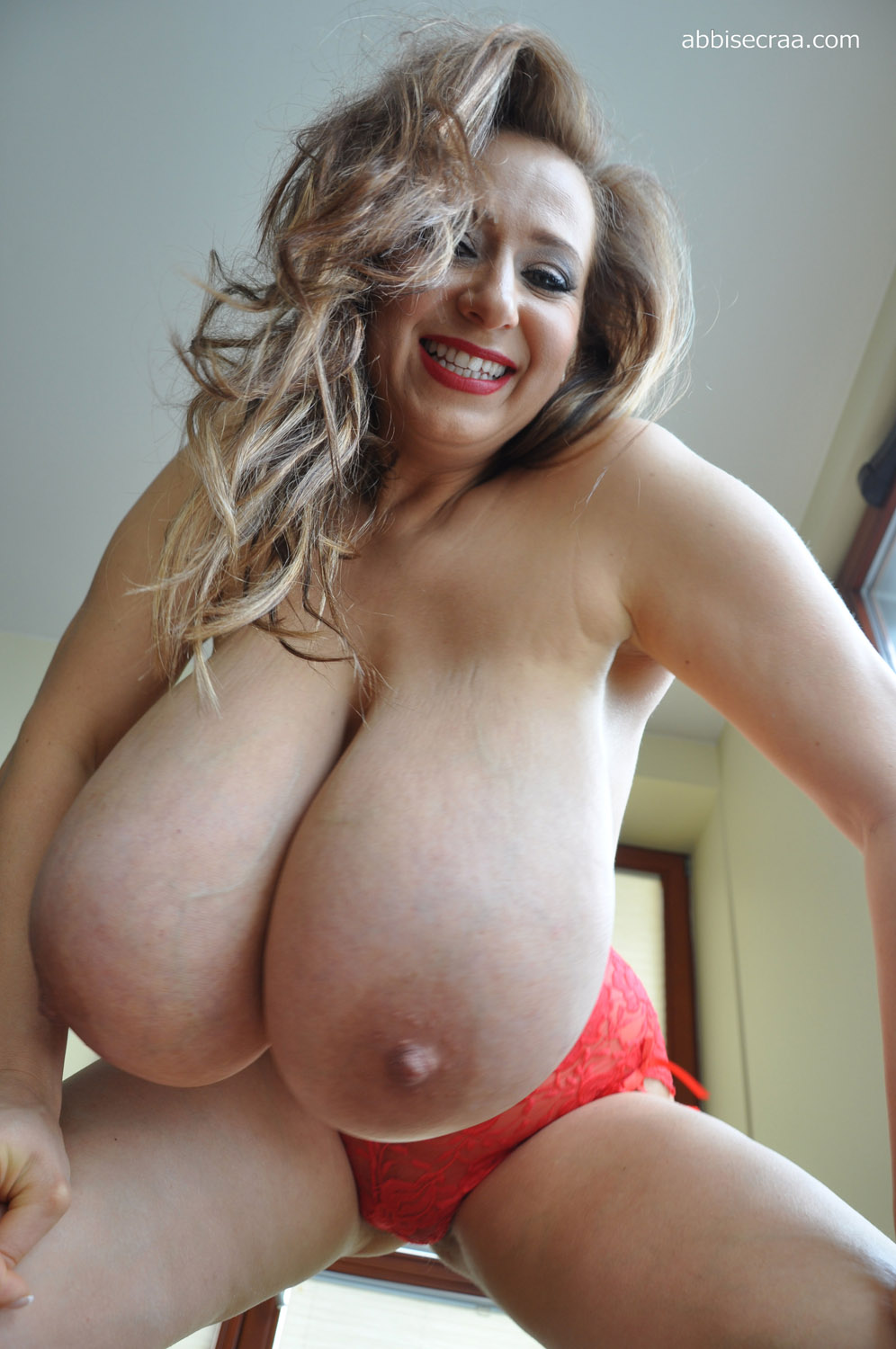 Lisa biggest natural breasts in france gros seins - 3 part 3