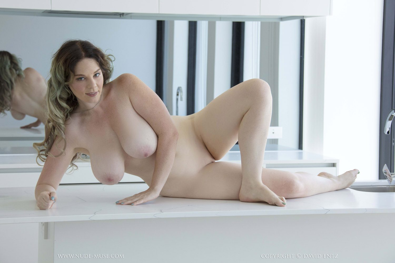 curves mature escort berlin