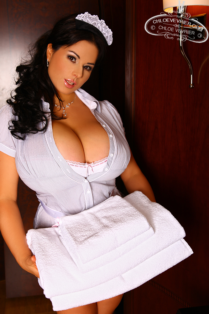 Chloe Vevrier Room Service – Curvy Erotic