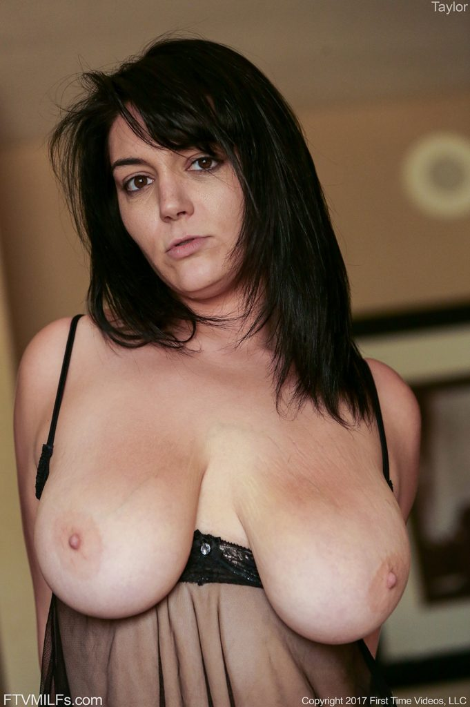 Nude pictures of jacqueline milf