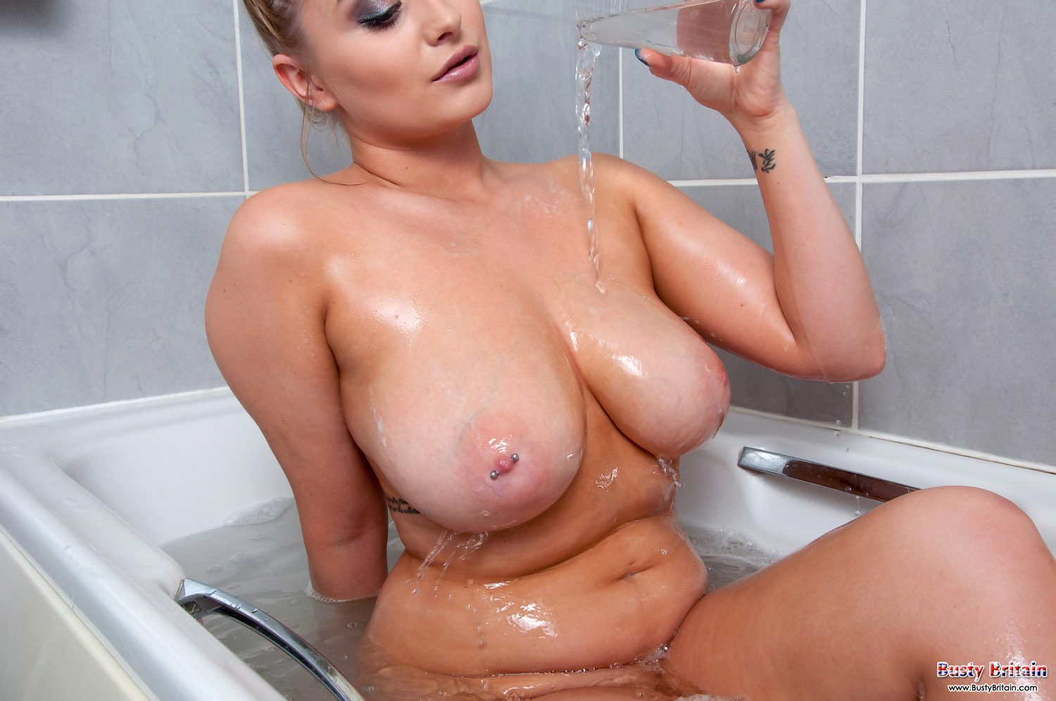 Rachel C Bubble Bath Busty Britain