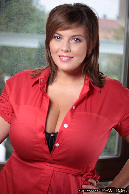 Xenia Wood is Ewa Sonnets New Busty Friend - Curvy Erotic