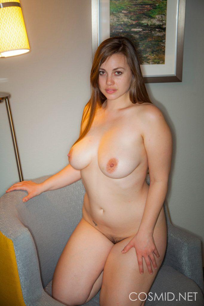 Blonde Polin mit heißen titten beim Dessous Fickdate
