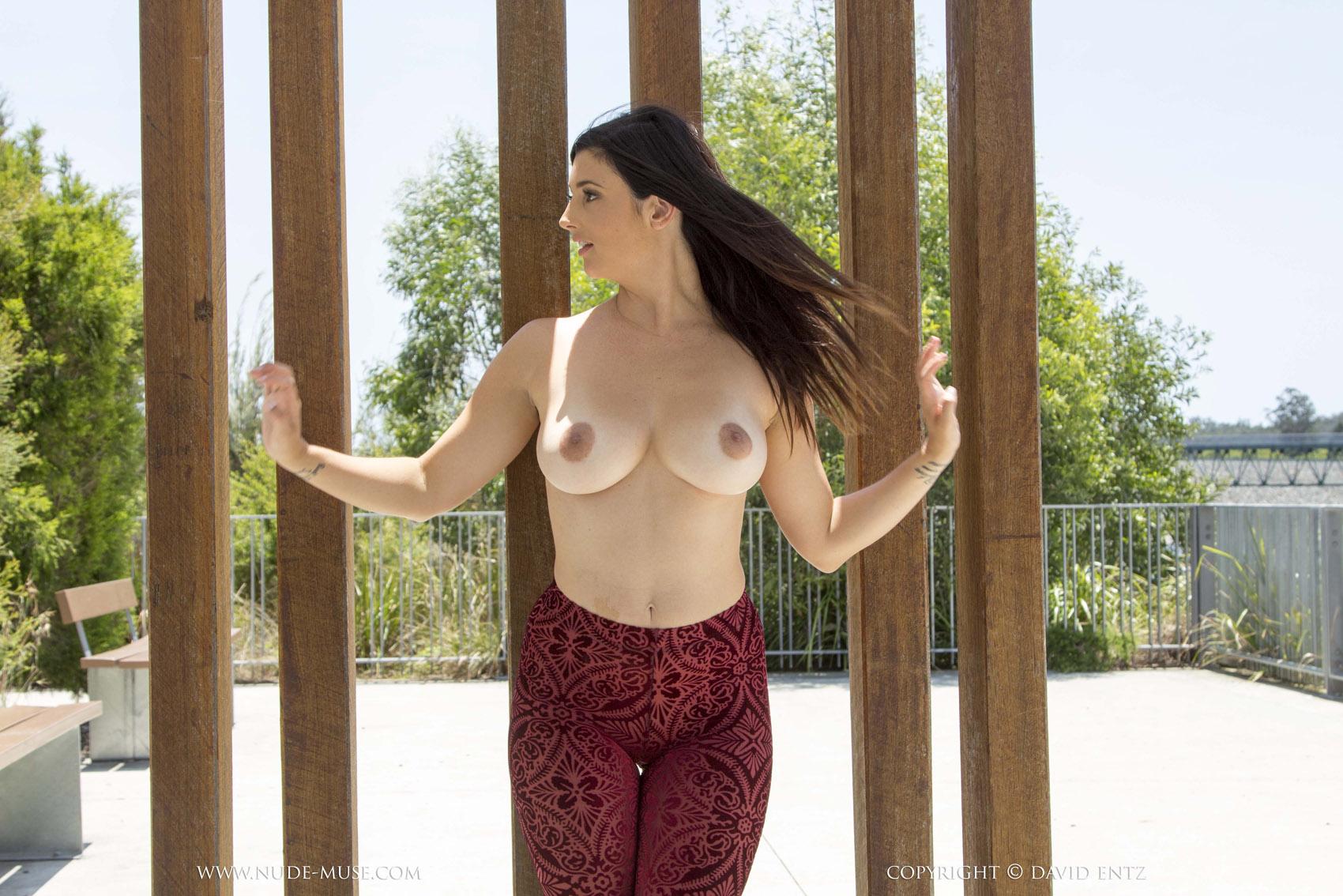 public nude pics curvy