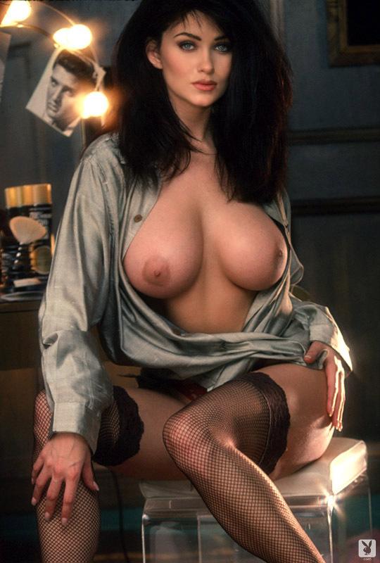 Free nude pics of lynda carters tits