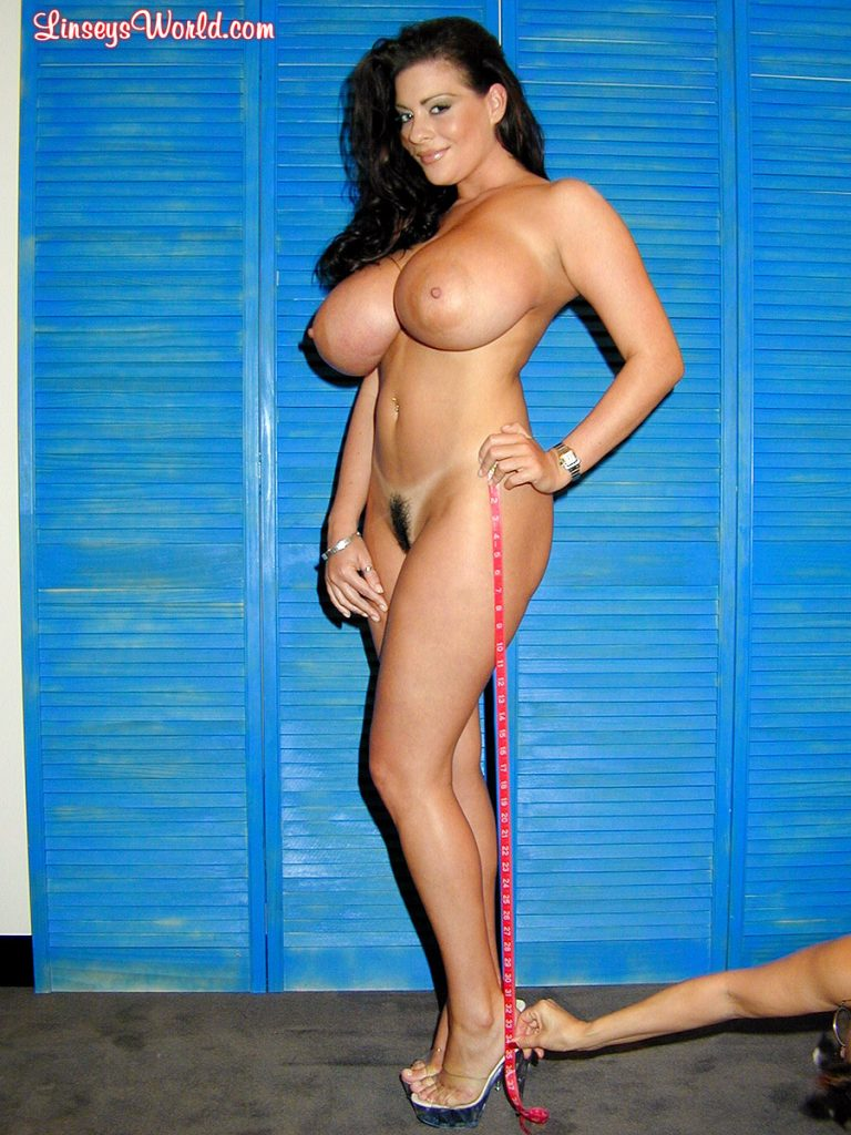 Linsey Dawn Mckenzie Measuring Her Body - Curvy Erotic-6425