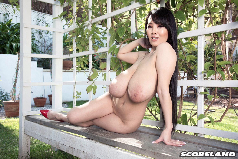 Hitomi Tanaka Bare Country Girl for Scoreland