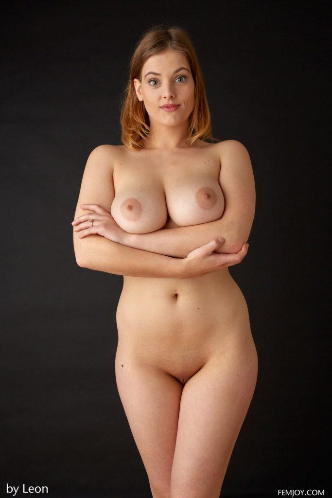 nude-voluptuous-beauty