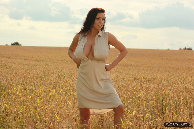 Ewa Sonnet Heavy Breast Village Girl
