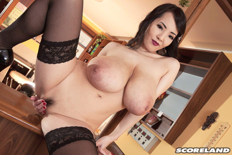 Hitomi Tanaka Deep Lipstick Nudes