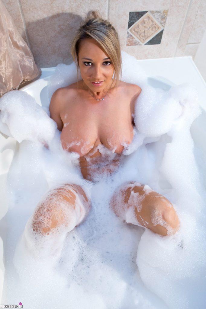 Nikki Sims Soapy Bubble Bath