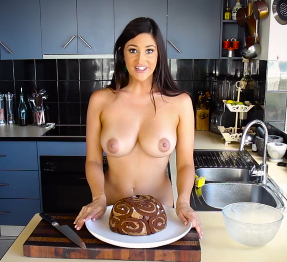 black-women-cooking-in-the-nude