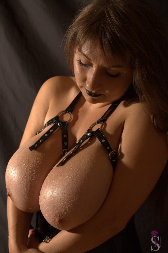Samanta Lily Straps and Leather 9