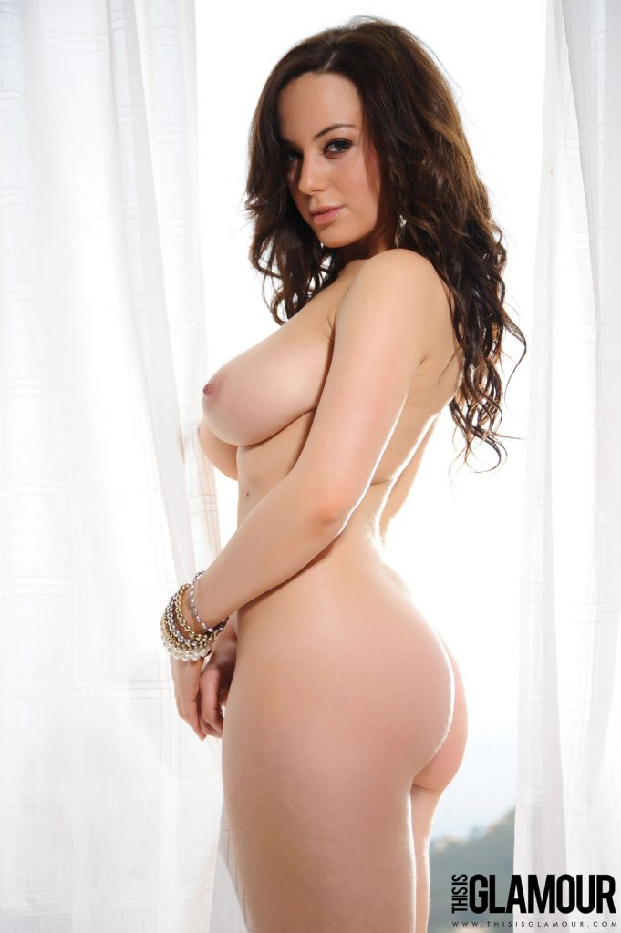Lindsey Strutt Posing Naked This Is Glamour