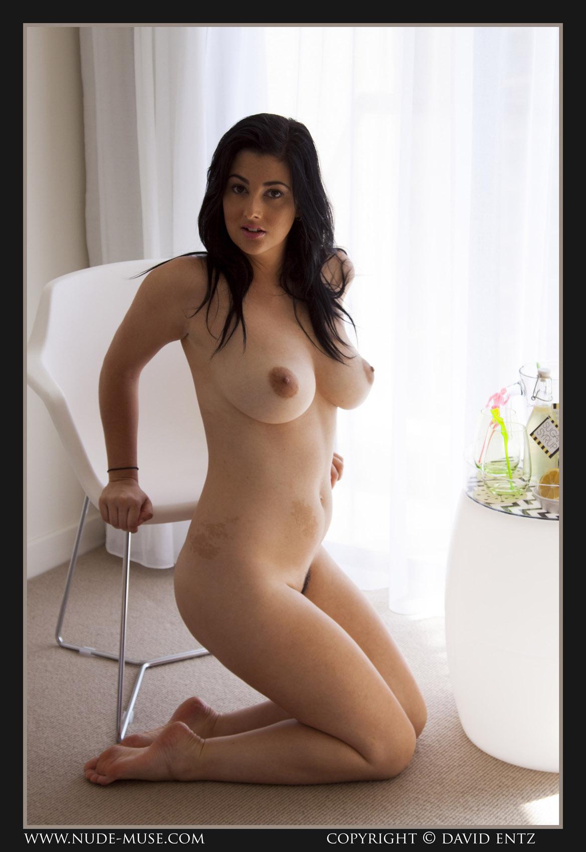 Scarlett Morgan Making Lemonade Nude Muse - Curvy Erotic