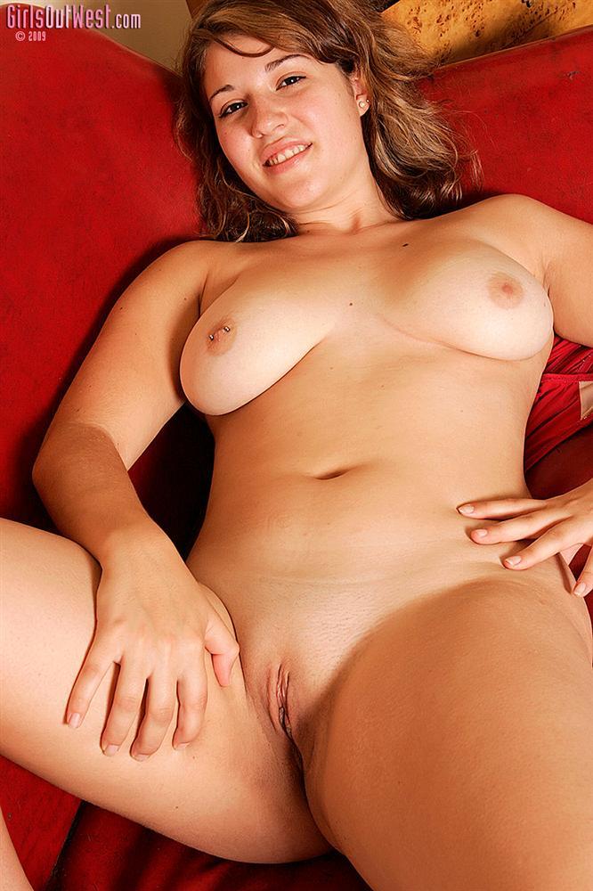 Jana Cute Busty Aussie Girls Out West - Curvy Erotic