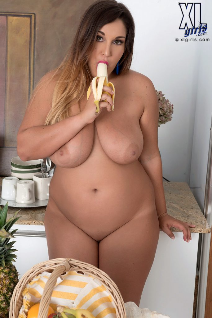 Scarlett Monroe Tasty Nude Curves Breakfast