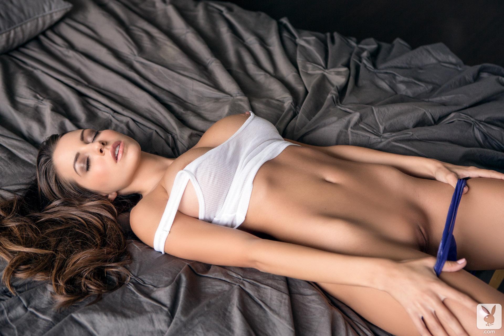 Эротические модели фото сеты, Голые модели - красивые обнаженные модели на фото 1 фотография