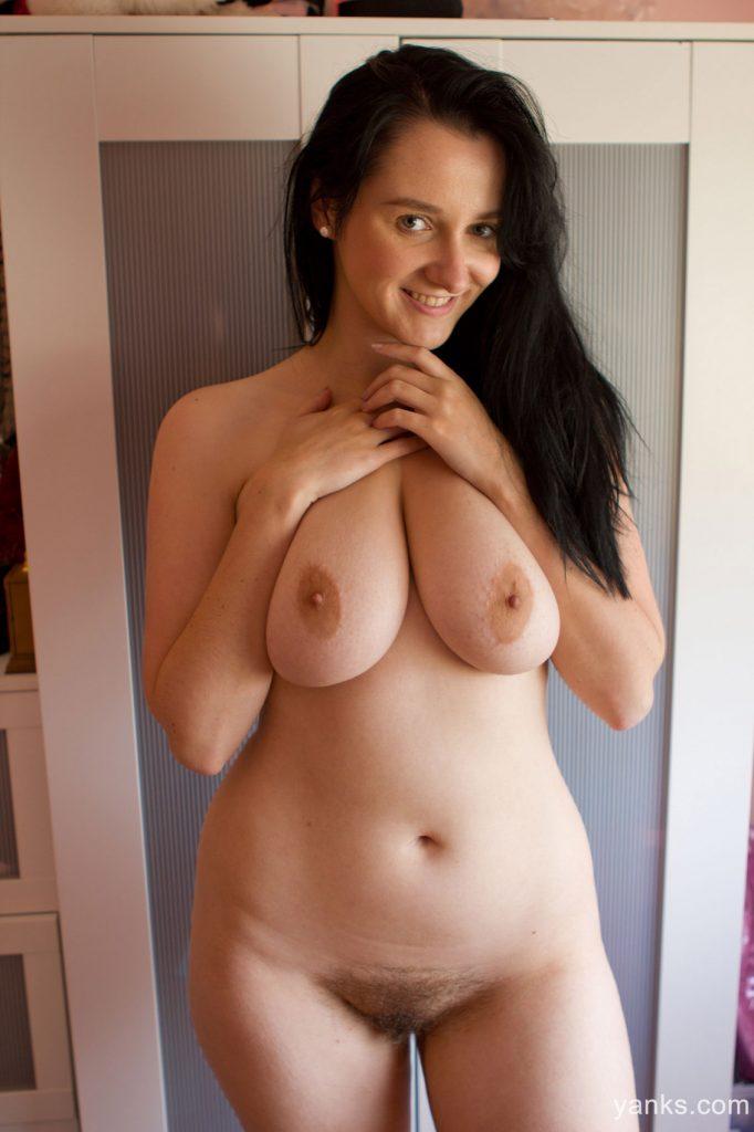 Aeryn Walker Curvy Nude Yanks