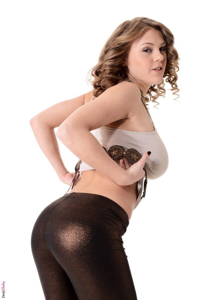 Viola Bailey Nude Solo IStripper