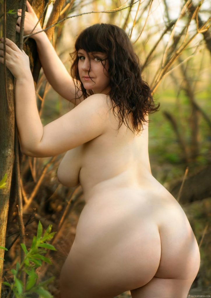 Short And Thick Nude Girl