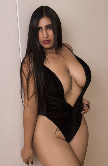 Curvy Model Nude