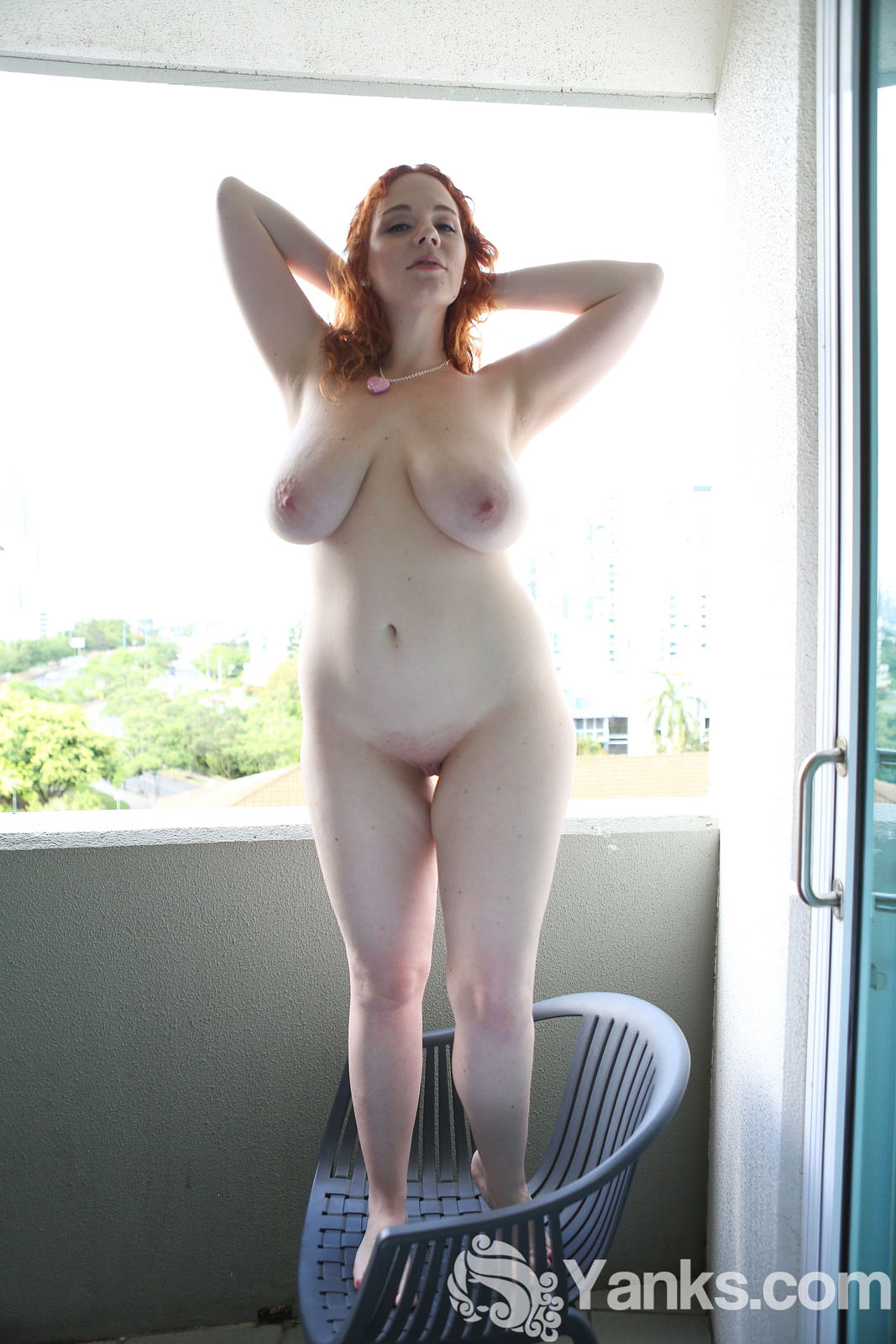 naked hot young coed