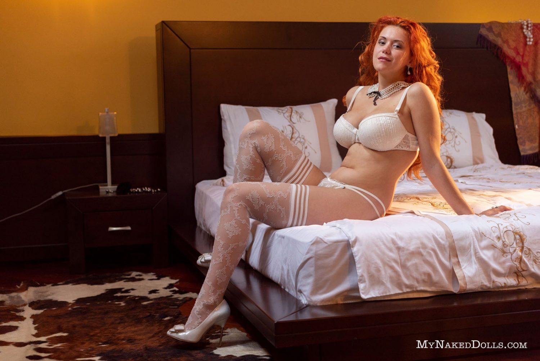 https://www.curvyerotic.com/wp-content/uploads/2018/09/lillith-von-titz-curvy-my-naked-dolls-1-1500x1002.jpg