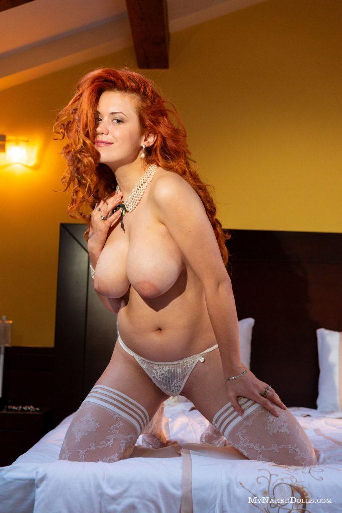 https://www.curvyerotic.com/wp-content/uploads/2018/09/lillith-von-titz-curvy-my-naked-dolls-5-684x1024.jpg
