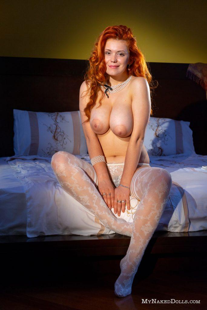 https://www.curvyerotic.com/wp-content/uploads/2018/09/lillith-von-titz-curvy-my-naked-dolls-7-684x1024.jpg