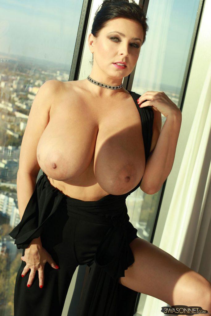 Ewa Sonnet Growing Boobs